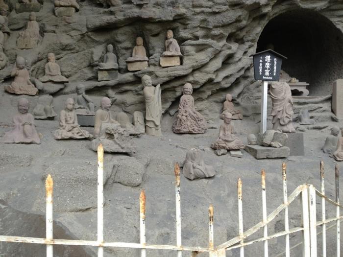 鋸山の石仏がたくさん