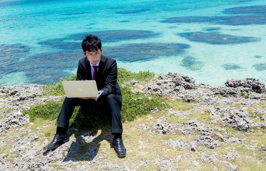 海 パソコン