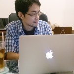 Macを使う松田