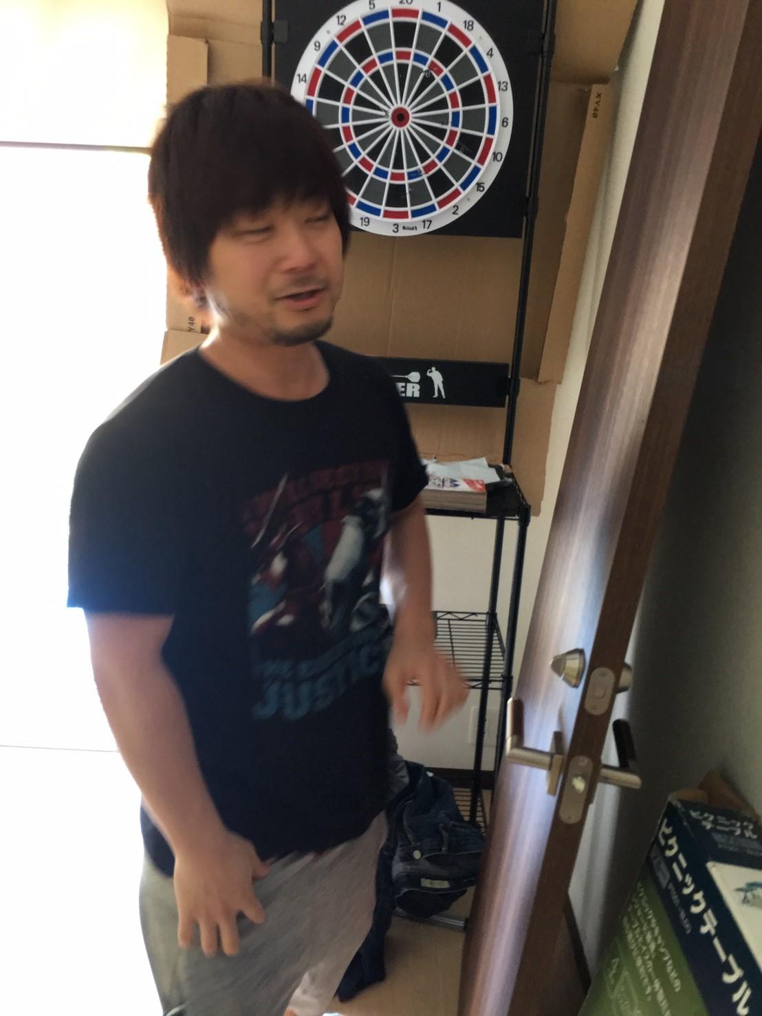 扉を運ぶ周太郎氏3