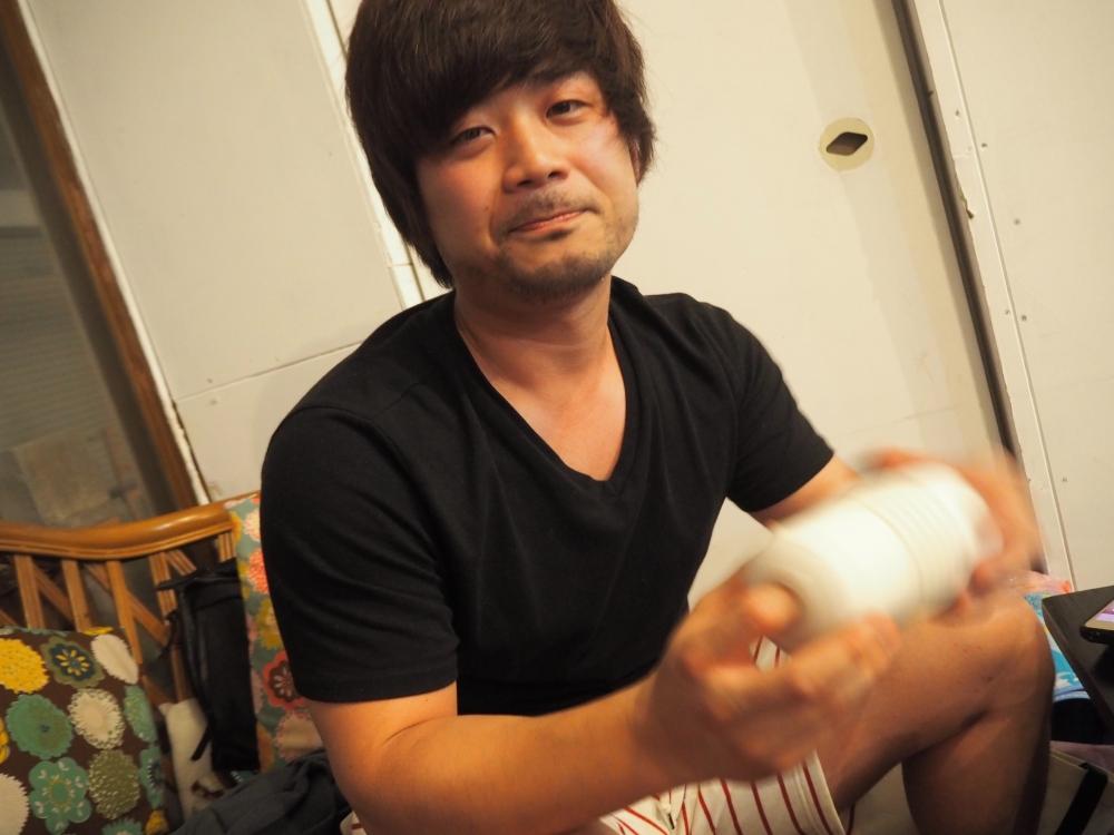 周太郎氏TENGA指にチャレンジ2