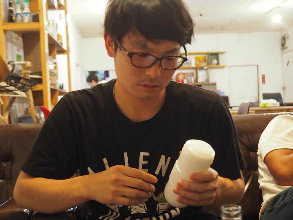 小太り氏がTENGA指にチャレンジ