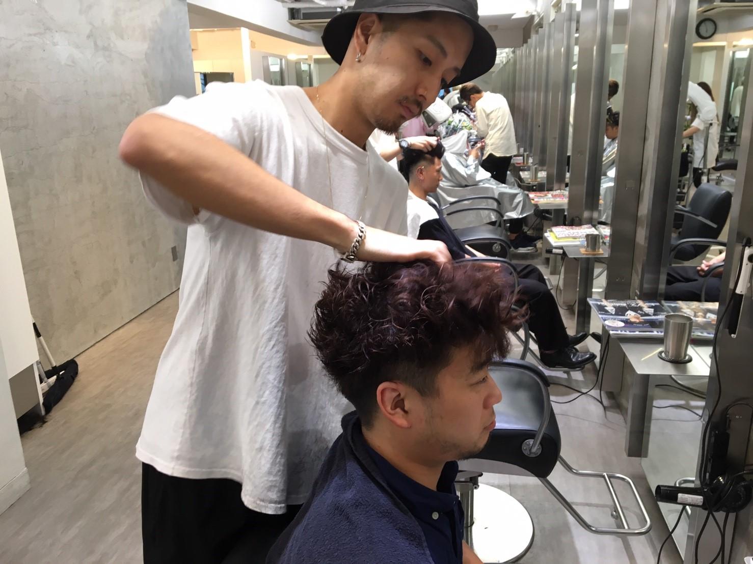 髪を下ろす