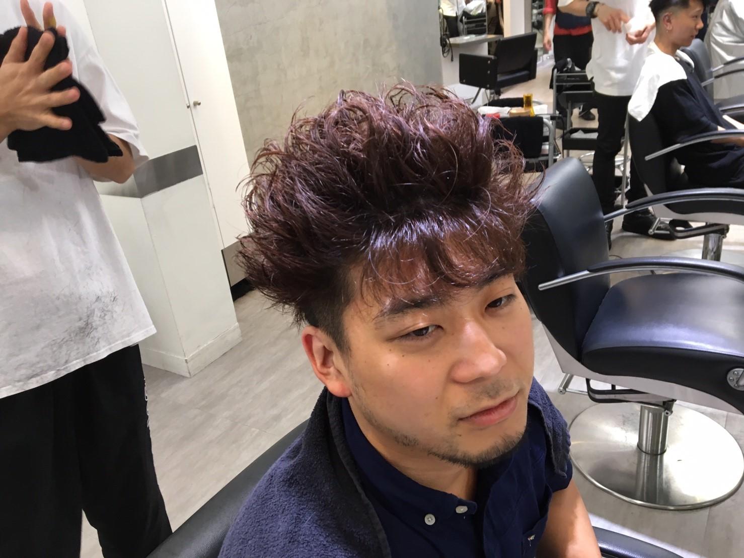 スーパーサイヤジン並みに髪を立ち上げた周太郎氏