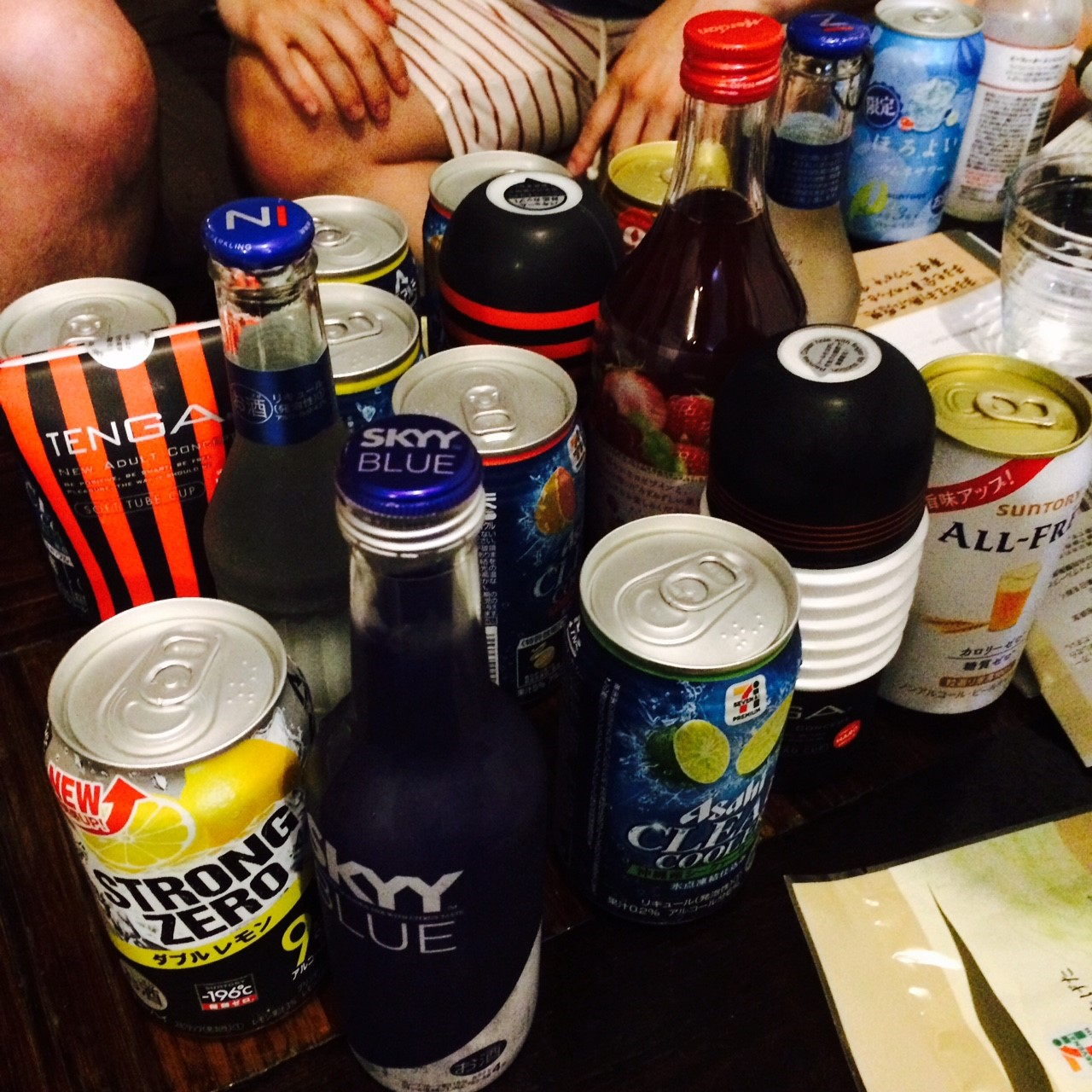 飲み物に紛れるTENGA