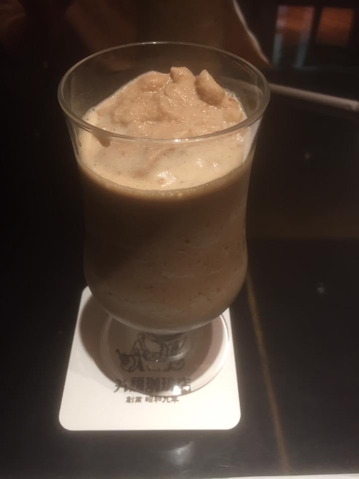 コーヒー味の甘いフローズン