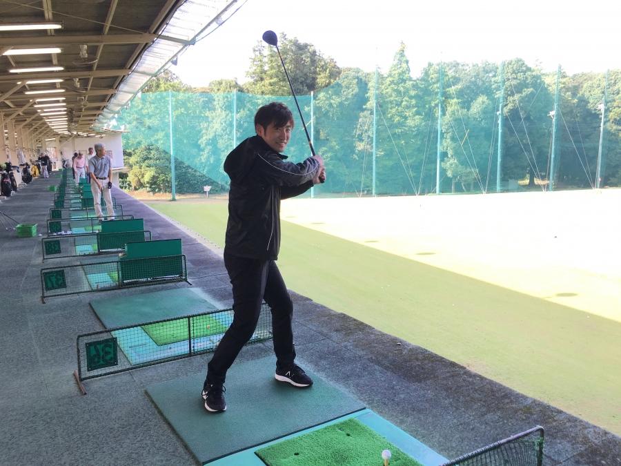上谷初ゴルフ1打目 打ち終わり