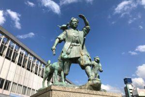岡山にある桃太郎の銅像