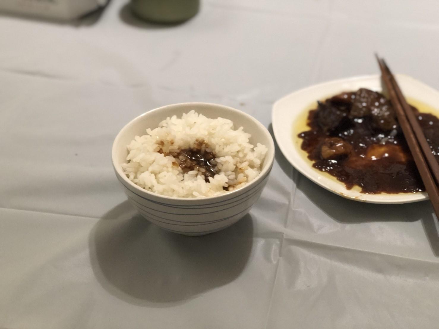 ご飯と缶つまレストラン 牛肉の赤ワイン煮