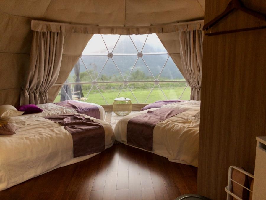 グランピング室内 ベッド