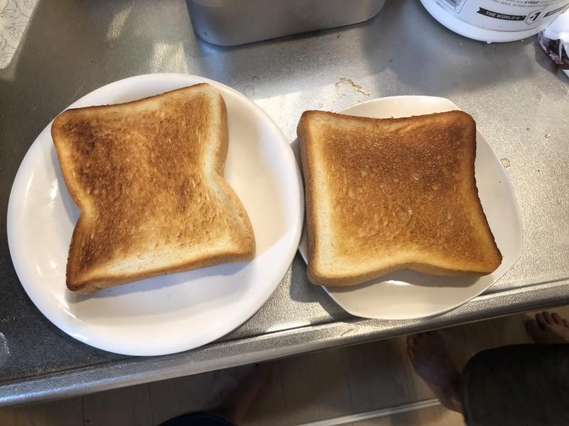 通常トースターとバルミューダトースター